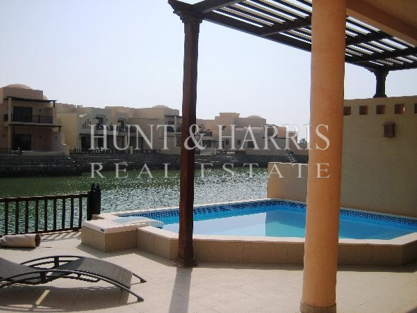 luxury-living-2-bedrooms-furnished-chalet-cove-rotana