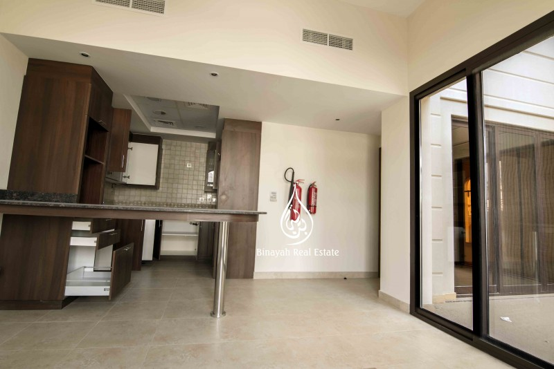 4 Bedroom Townhouse For Rent in Mudon