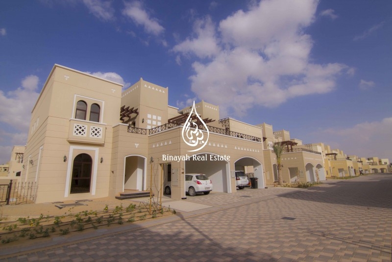 4 Bed Townhouse with Maid For Rent in Mudon