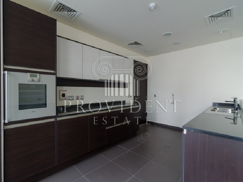 Vacant, Well Maintained Villa with Pool