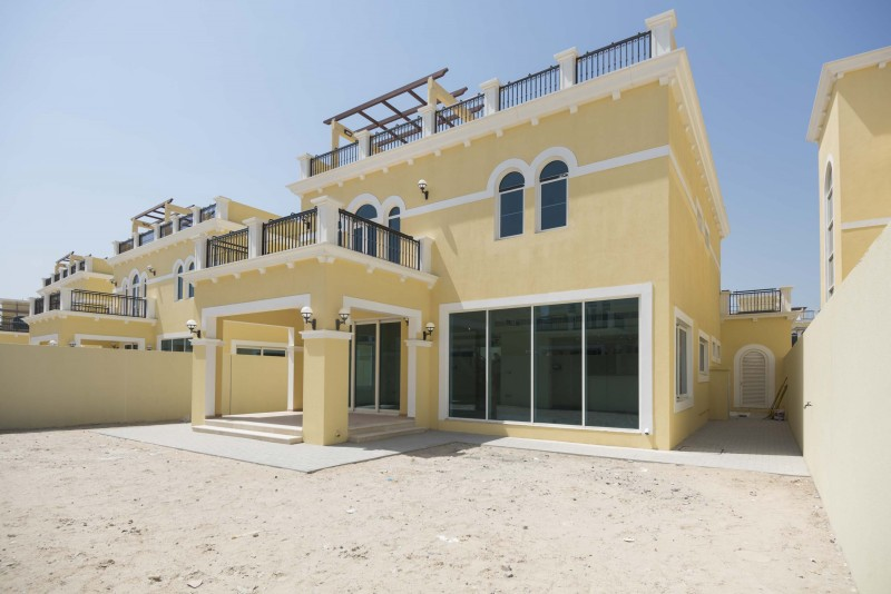 Villa / Property to Rent in Dubai, Emirats