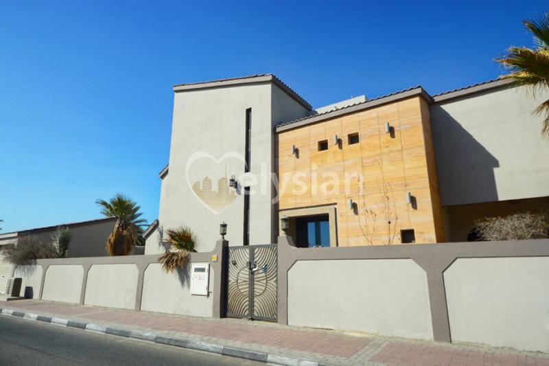 Large Commercial Villa on Al Wasl Street.