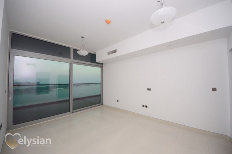 Full Sea View with access to the Beach 1 BR