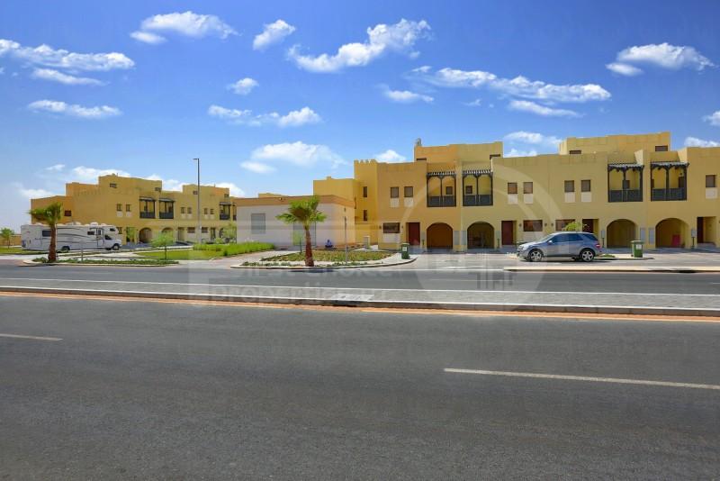 roomy-2br-villa-in-hydra-village-for-rent