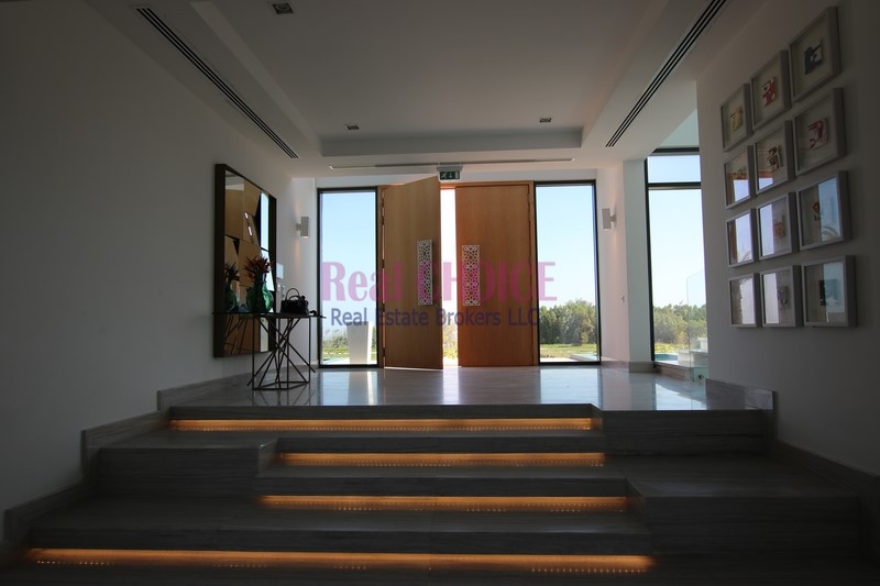 A Perfect Location! 4BR+M Villa in Nurai Island