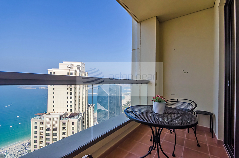 Upgraded Fully Furnished 2BR+Laundry Sea View