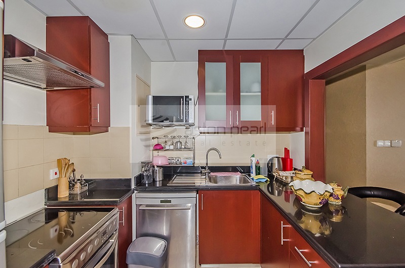 Fully Furnished Upgraded Unit, Sea View
