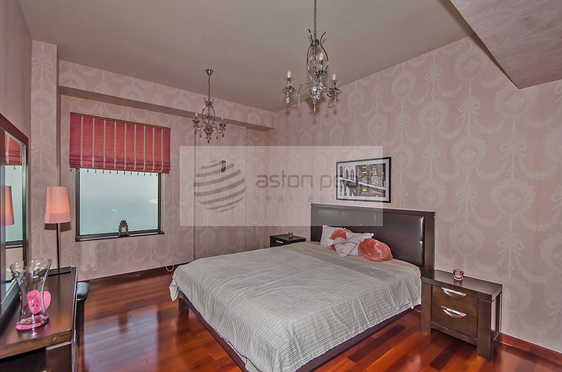 Fully Furnished, Upgraded Unit, Sea View