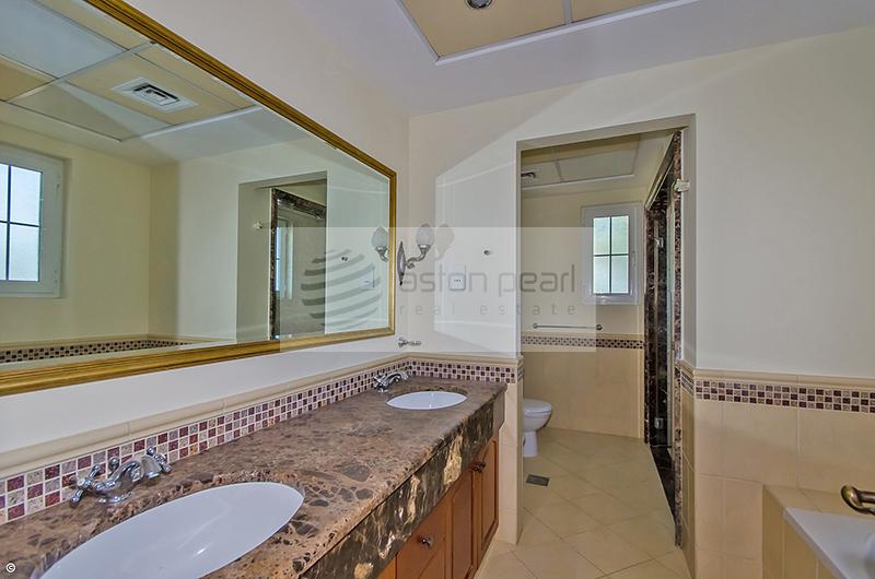5 Bedrooms + Maid's Room Villa in Great Condition
