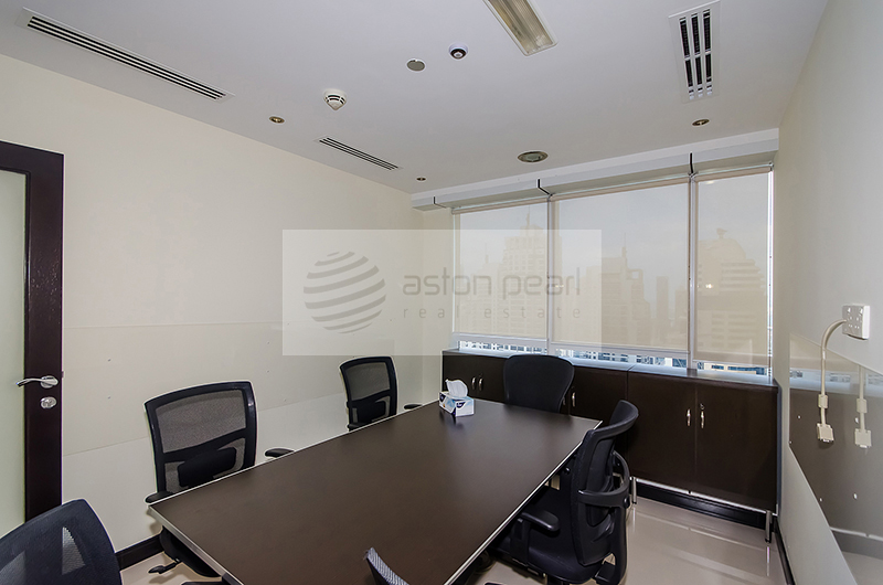 Fully Furnished - Upgraded - Office -  JBC2