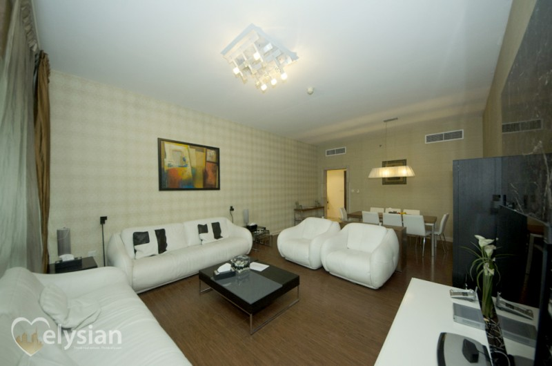 Homely 3BR plus maids room, Marina View!