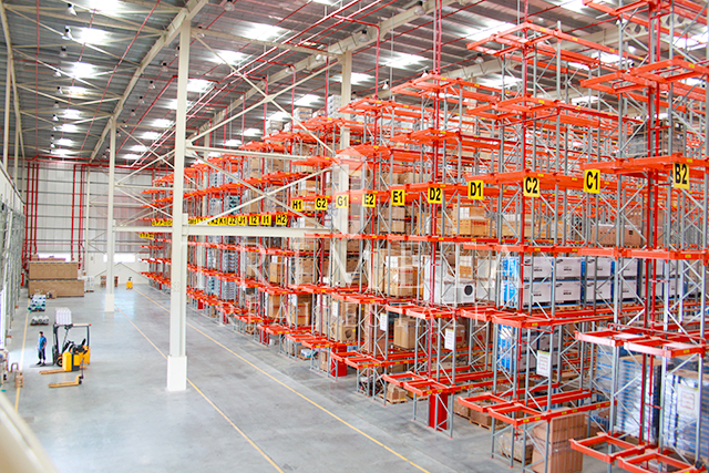 big-fully-fitted-warehouse-in-jebel-ali-free-zone