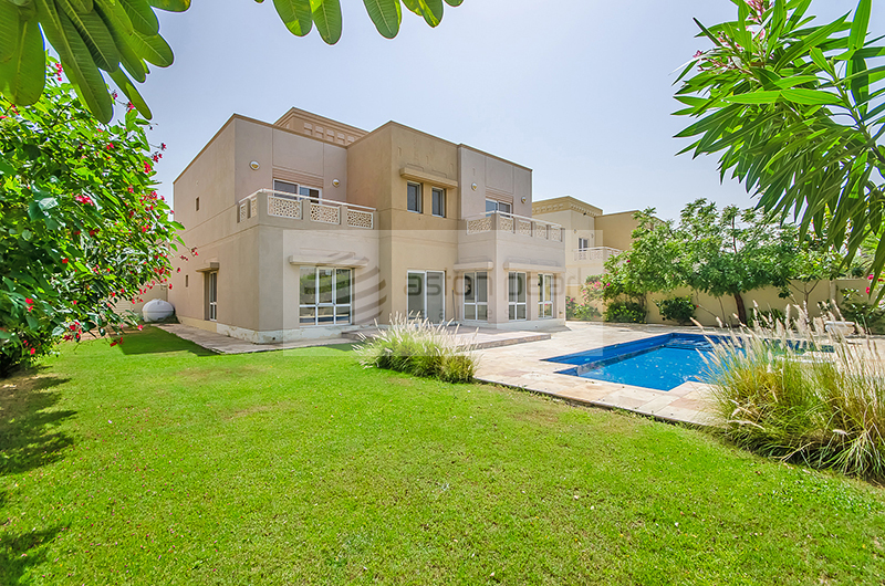 6 Bedroom Villa for sale in Dubai, Meadows