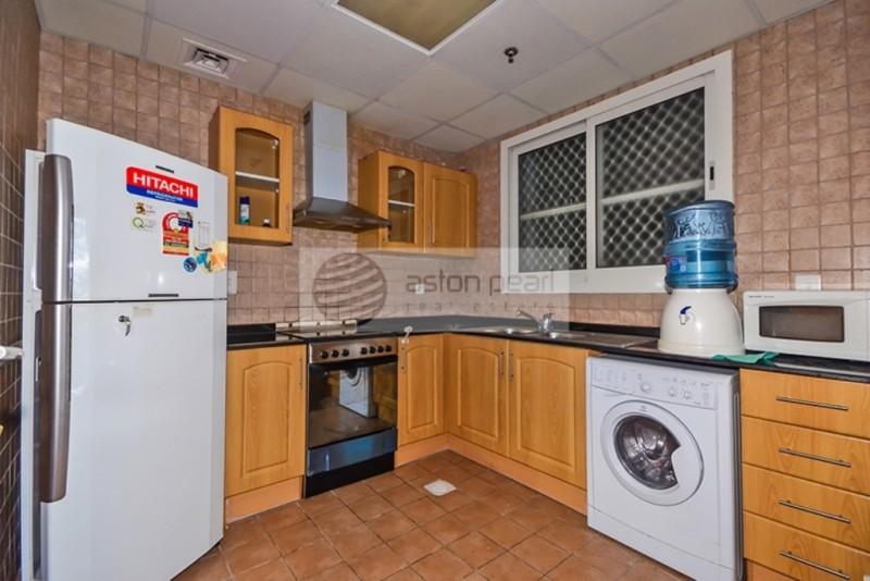 Beautiful 1BR   Close Kitchen   Marina View