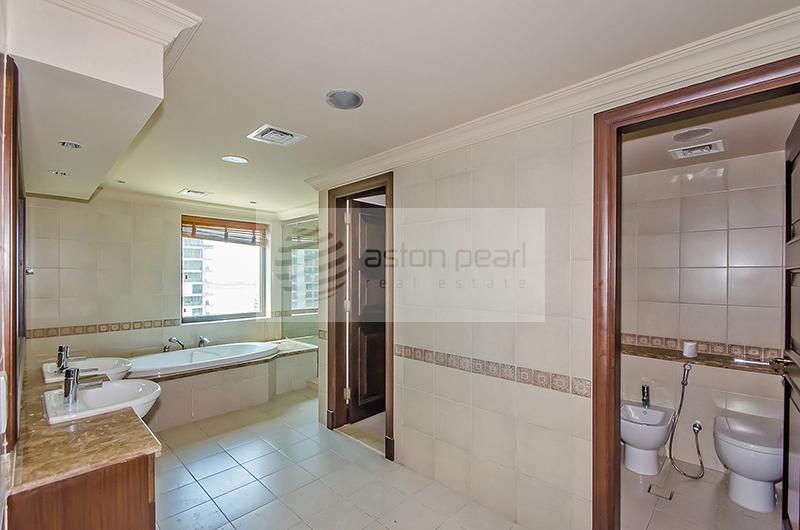 Exclusive best layout duplex penthouse 3 br m w storage