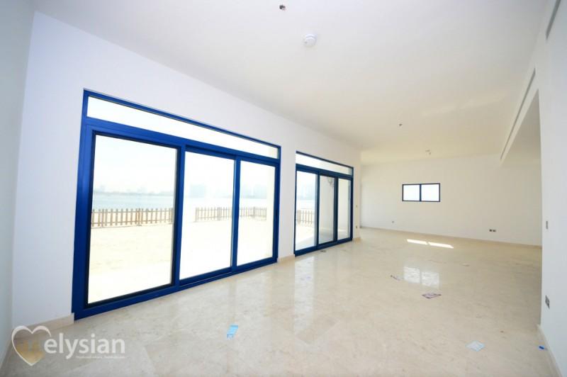 Brand New Vacant 5BR Villa Best Location