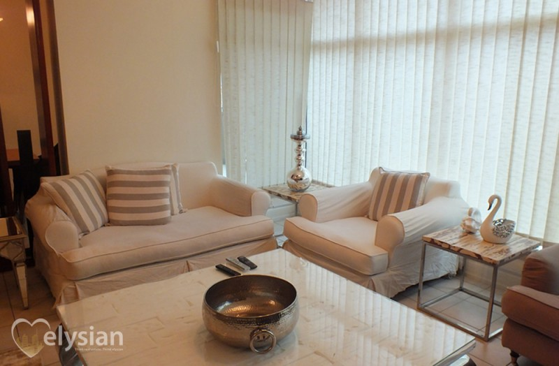 Luxury furnished 3BR+M,Emaar towers 210k