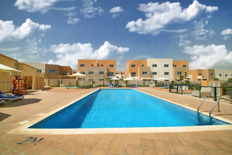 2-cheques-single-row-contemporary-villa