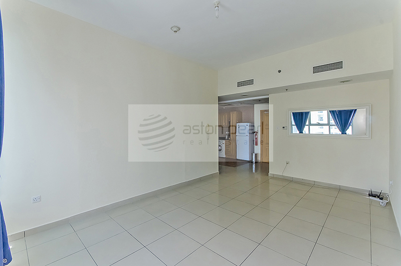 Beautiful 3 Beds Apartment | Vacant on Transfer