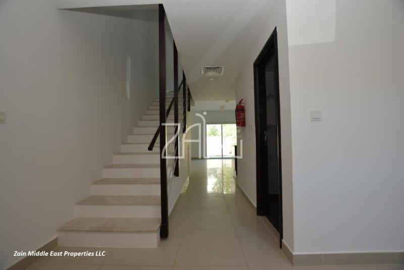 hot-offer-bright-21-villa-with-garden