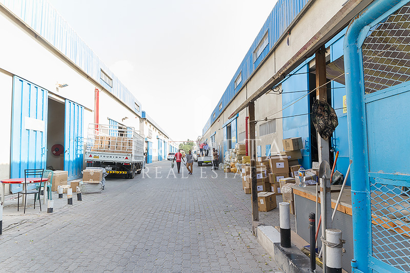 vacant-warehouse-ground-mezzanine-in-al-quoz-1