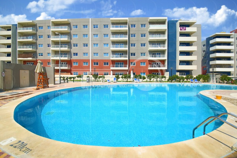 2-payments-spacious-1br-apartment-in-reef