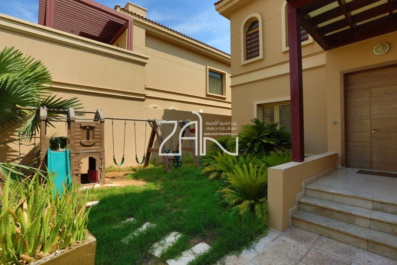 hot-deal-amazing-4br-villa-with-pool-garden
