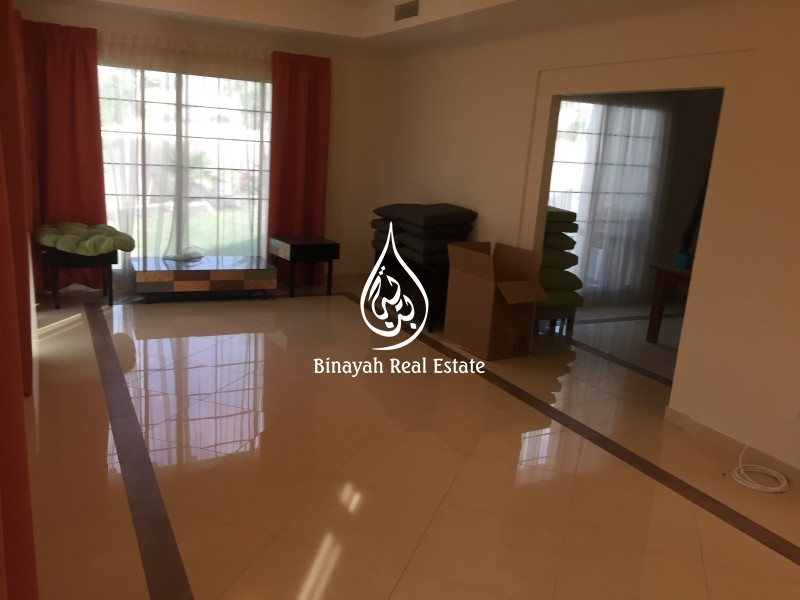 Exclusive Large 5 BR full Corner Villa