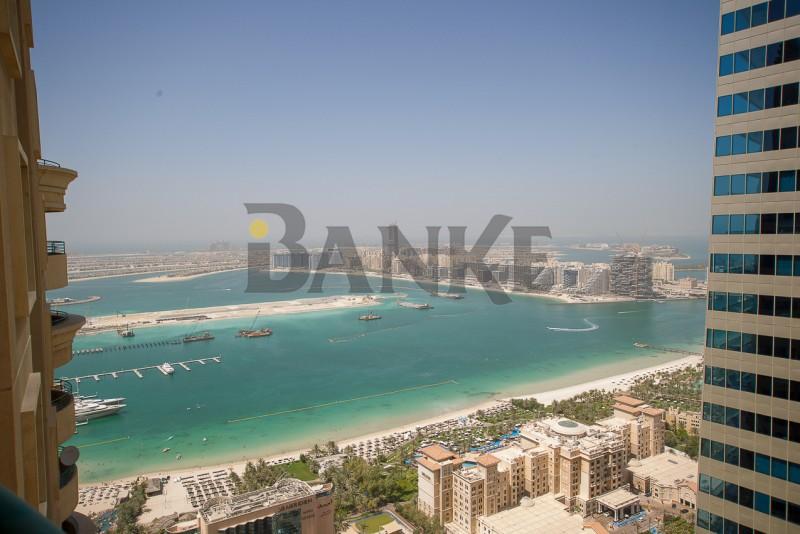 huge-flat-on-high-floor-overlooking-marina-and-sea