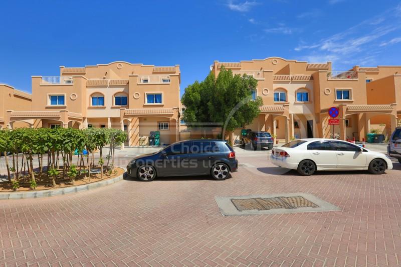 impressive-single-row-5br-villa-in-al-reef