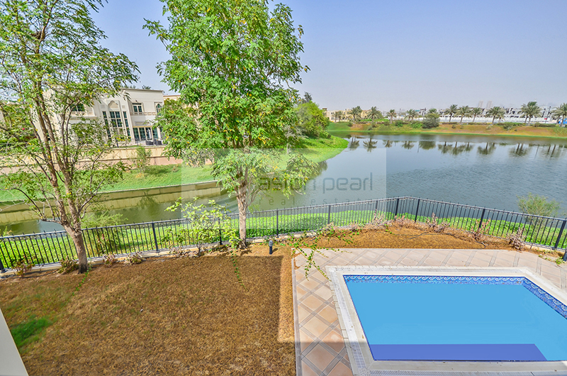 Stunning Lake View Huge Plot Easy Access