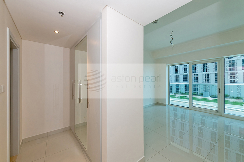 Exclusive 1 Bed with Sea and Marina View