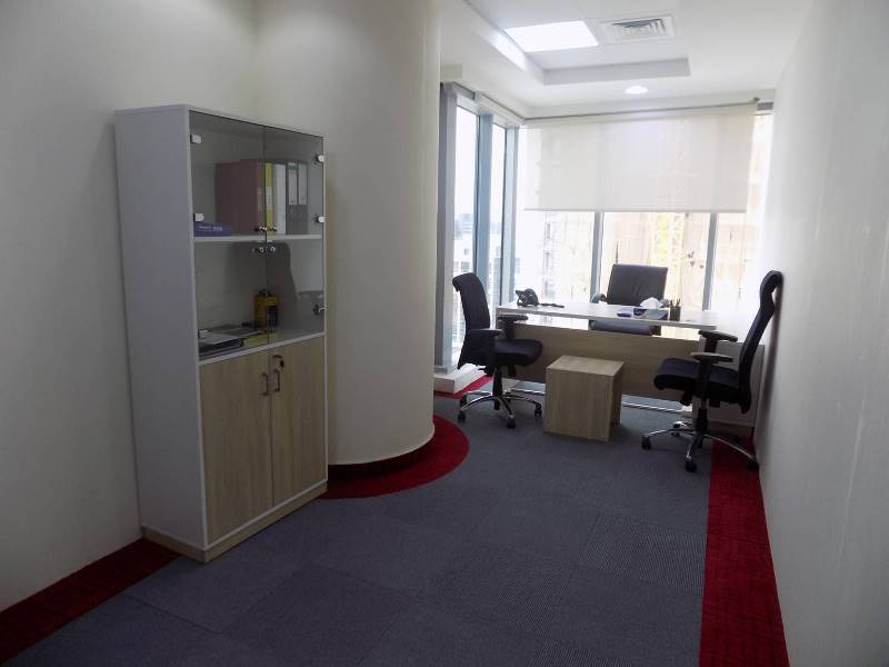 spacious-furnished-and-serviced-office-in-opal-tower