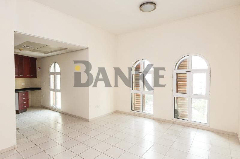 l-shaped-studio-for-rent-in-med-cluster-street-3