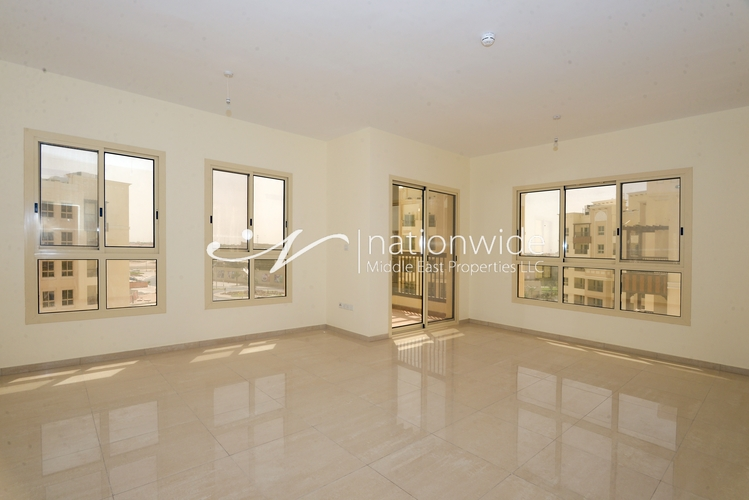 Vacant Amazing 3 BR Penthouse with 2 Chq