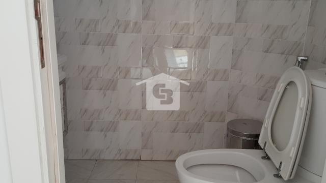 Showroom & Building in Sheikh Zayed Rd|Near Metro
