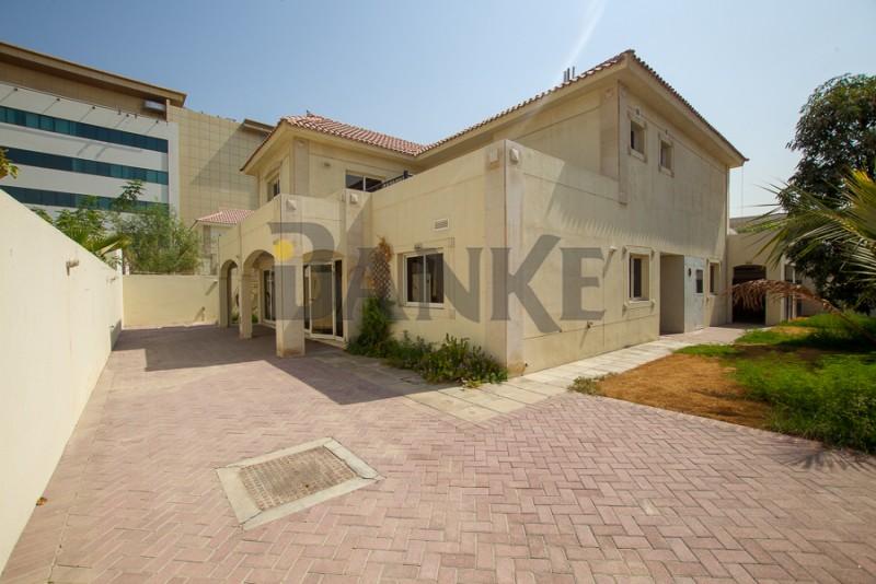 superb-5-bedroom-villa-at-a-sought-after-location-close-to-la-mer
