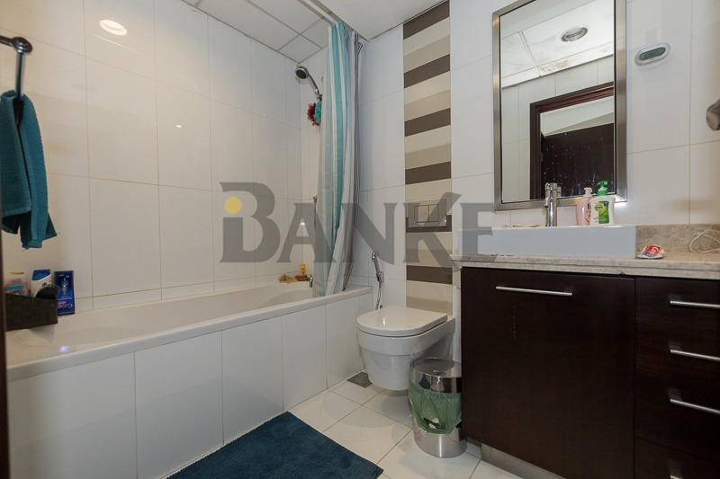 large-size-1-bedroom-blvd-view-boulevard-central