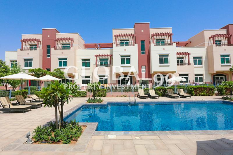 hot-deal-pool-view-excellent-studio-apartment