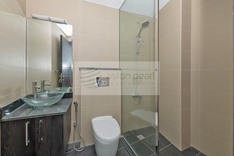 Spacious STUDIO with Marina View, Great Location