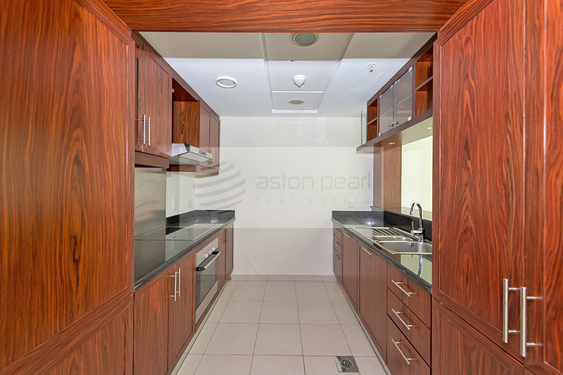 Spacious 1 BR with Balcony | Vacant Now