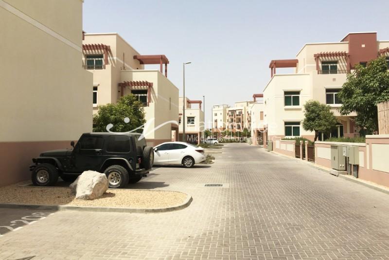 3 Chq! 1BR Terraced Apt On Prime Location