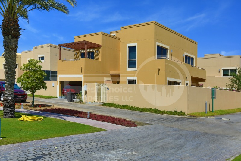 nice-and-spacious-4br-th-at-rahagardens
