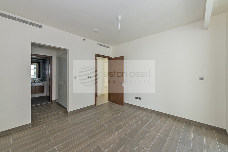 Contemporary Well Designed 2 BR | VACANT