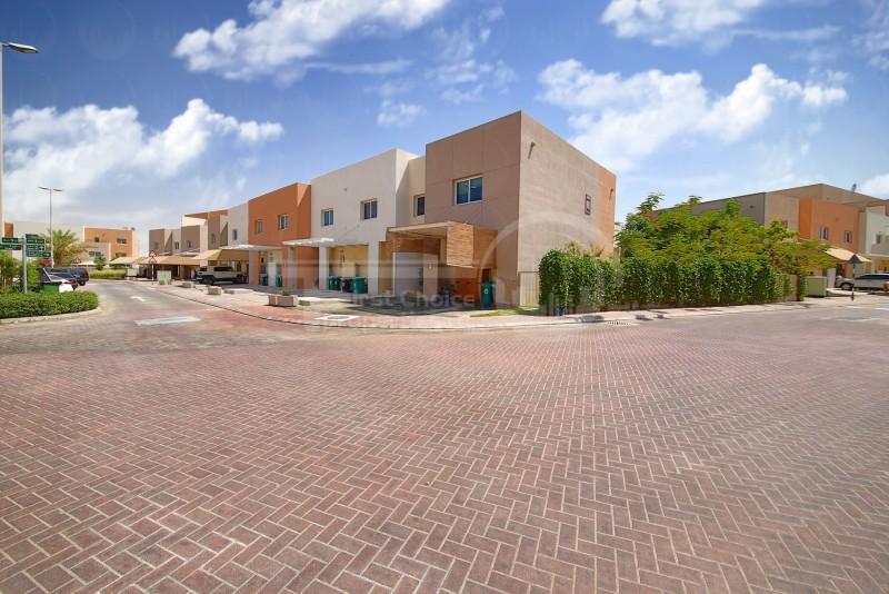 3-paymentsdouble-row-villa-in-reefhurry