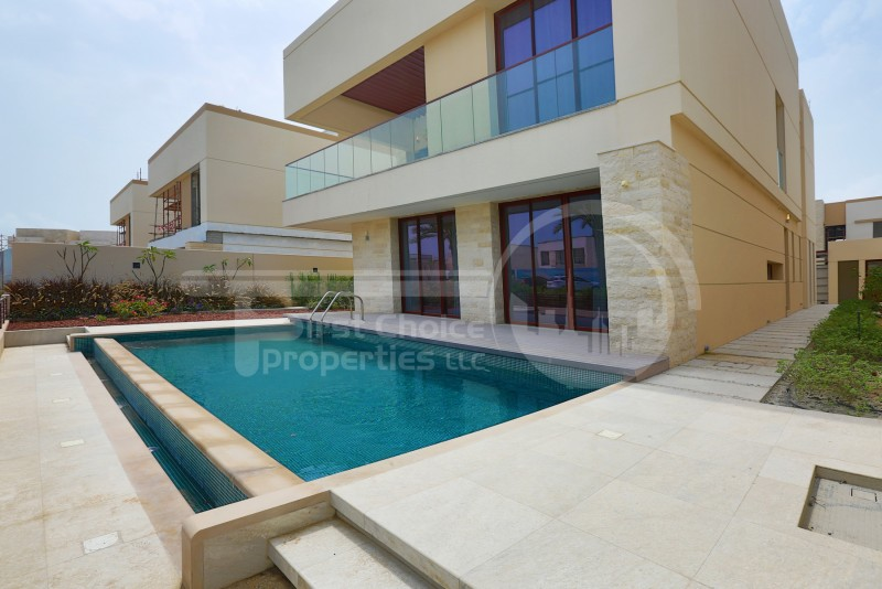 available-villa-w-private-swimming-pool
