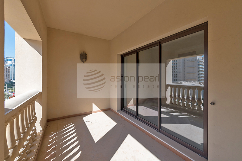 Most Spacious 1 Bed with Terrace | P/Sea