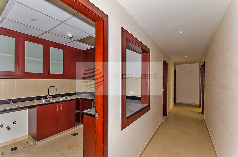 Spacious 1 BR with Big Balcony | Vacant