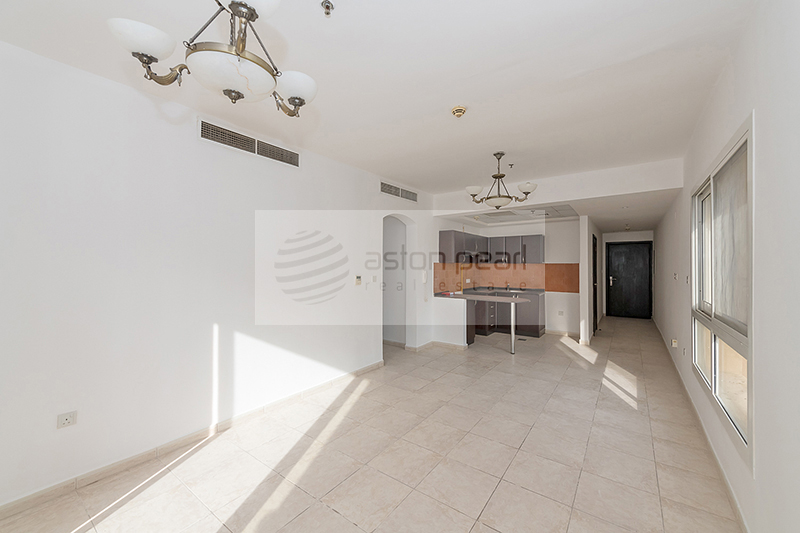 Well Maintained One BR, Ready To Move In