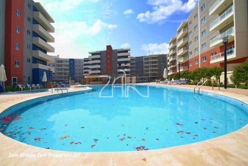 pool-view-3m-closed-kitchen-w-balcony
